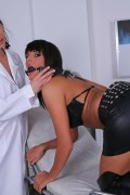 Melanie Memphis plays doctor with Carmen Rose from evilangel